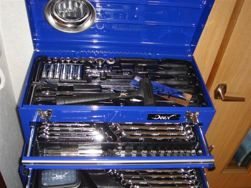 DEEN ディーン工具セット  非常に綺麗な工具です。 当然綺麗だけでなく、使いやすく、充実の内