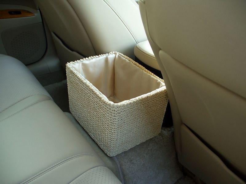 ホームセンター ナフコ? ダストボックス&小物入れ  小物入れとゴミ箱を探していたところ、これを