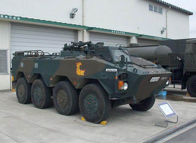 滋賀県今津駐屯地から参加した第10戦車大隊本部管理中隊の96式装輪装甲... その4~装備品展示