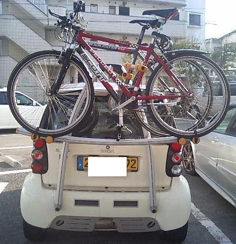 [大きい写真で見る]サイクルキャリアに自転車を搭載した状況です。SCOT... 自転車搭載|スマ