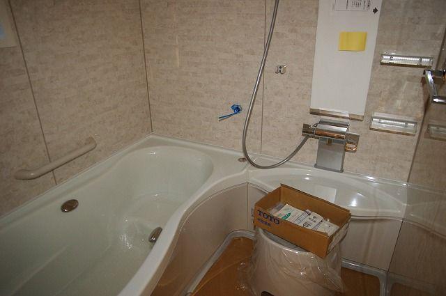 床暖パネル、ユニットバス、壁 ...