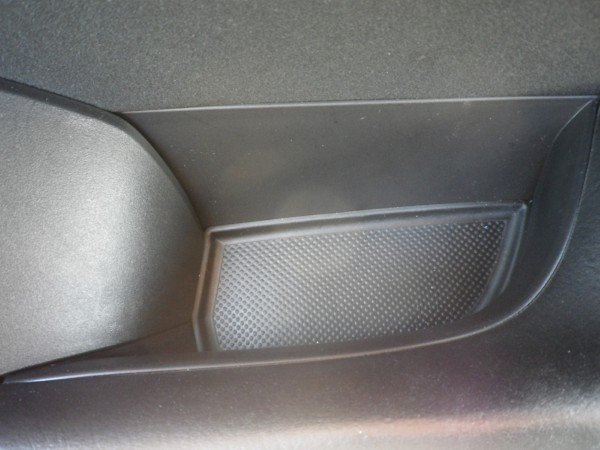 GJアテンザ 運転席ドア内装取り外し
