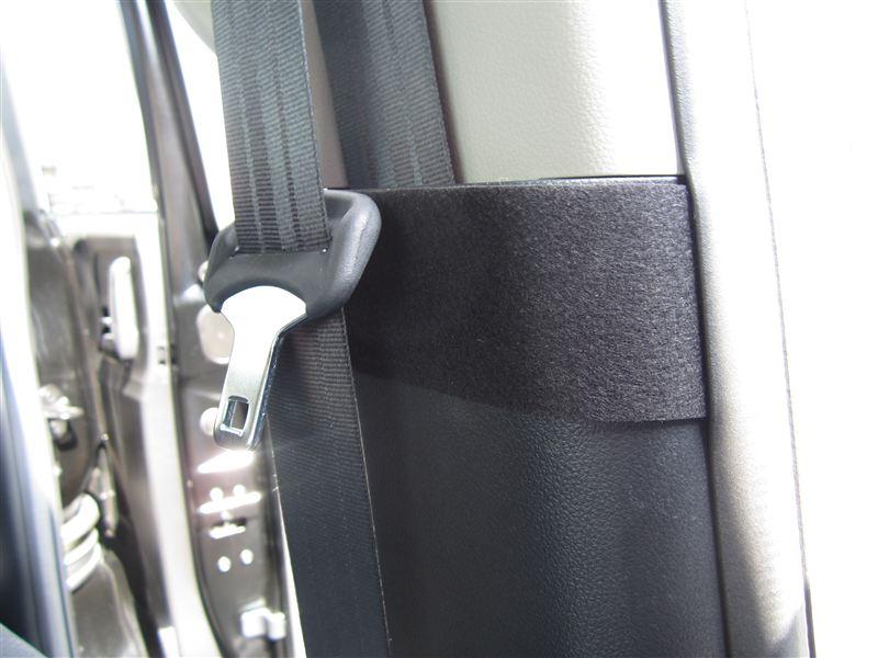 【助手席側シートベルトのコトコト音対策】