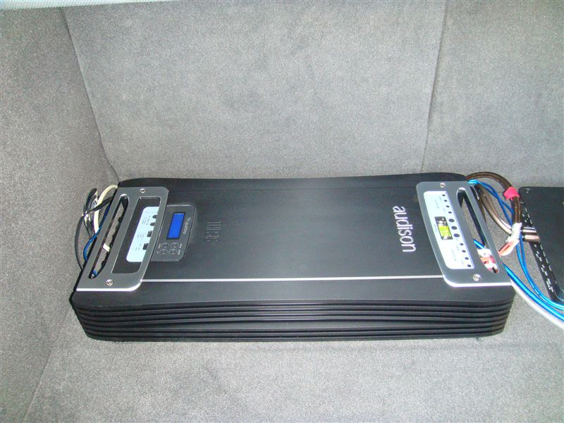 High power amplifier of AUDISON     audeson      THESIS TH quattro  taxes                     Quattro  is  And throughout the power amplifier was born