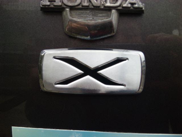 トヨタ カローラ用「X」エンブレム