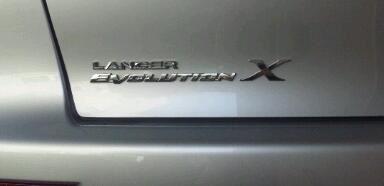 英国三菱自動車(純正) Xエンブレム