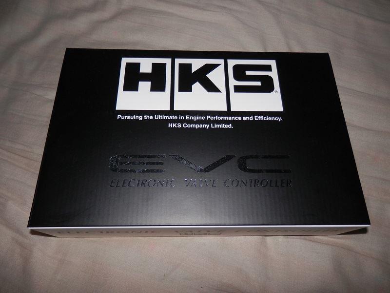 言わずと知れたHKSの高性能ブーコンせっかくのじぇにふぁーなんでEVC6を買おうと思ったらたまたま箱つぶれで安く出ていた新製品ホヤホヤの新品EVC6,IRをゲットおかげ