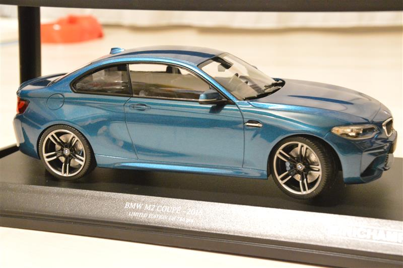minichamps bmw m2 1 18 m2 by innoutbuff. Black Bedroom Furniture Sets. Home Design Ideas
