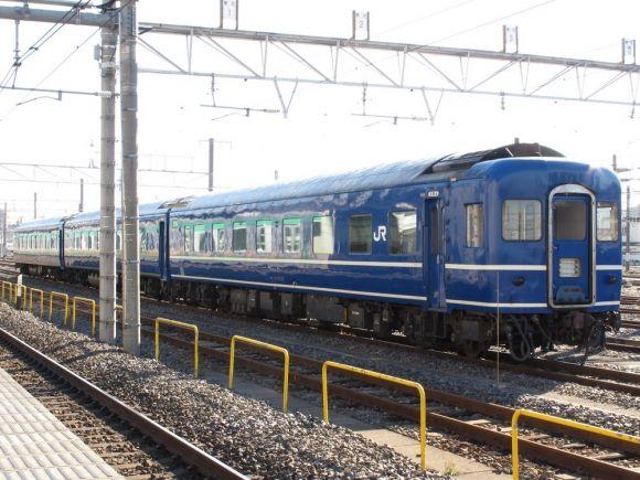 14系尾久車 譲渡配給とEF510-500牽引列車|飛行機と鉄道好きの ...