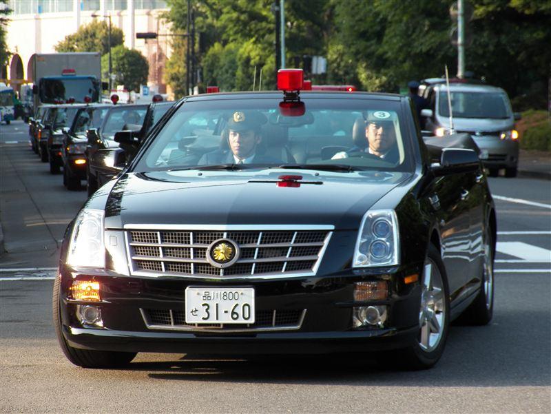 [大きい写真で見る]警視庁が所有するキャデラックSTSのオープンカーです... 2012年警視庁