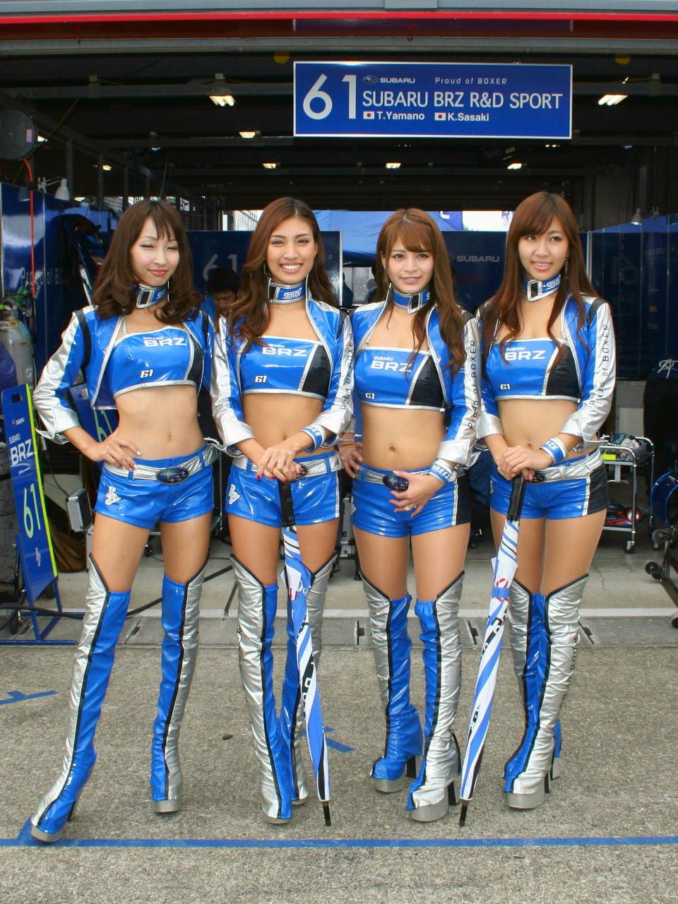 2013 Super Gt もてぎ 予選日(ピットウォーク編2)|インプレッサ スバル|愛車フォトギャラリー|白の