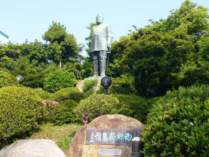 東京上野の犬付きの西郷隆盛像 ...