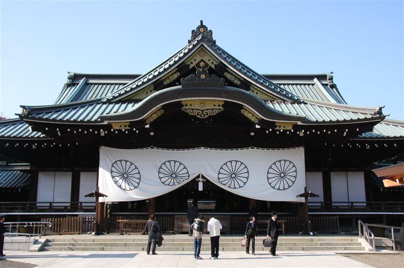 靖国神社の祭神は神話の神や天皇を祀る神社ではなく、戦没者、英霊を祀る神... 車・自動車SNS(