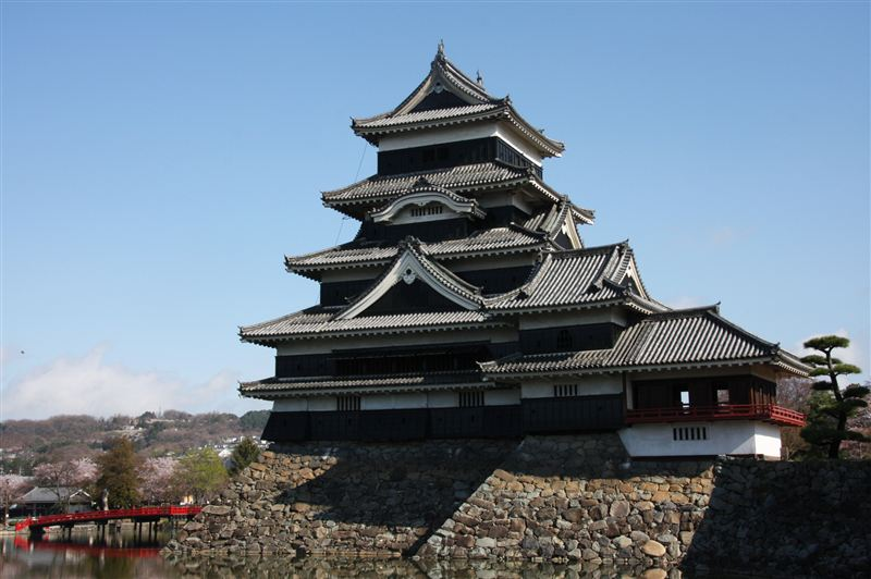 松本城は深志城とも呼ばれ、日本国内に12基現存している安土桃山時代後期... 車・自動車SNS(