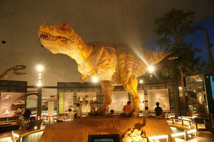福井の恐竜博物館の料金や割引券は?お得に入館す …