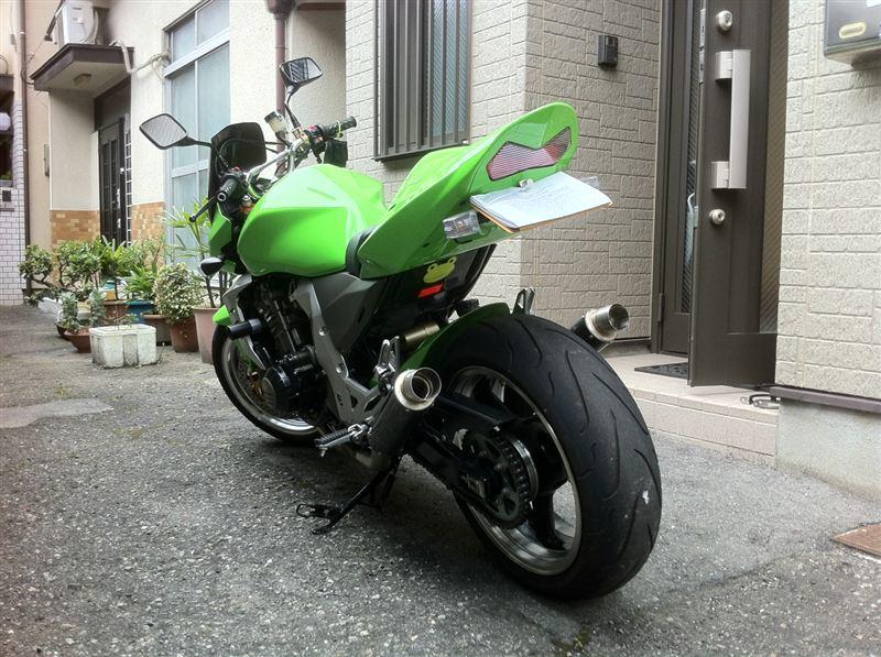 カワサキ Z1000  この歳にして二輪の免許を2012年の5月に取得。 同年の七夕に納車とな.