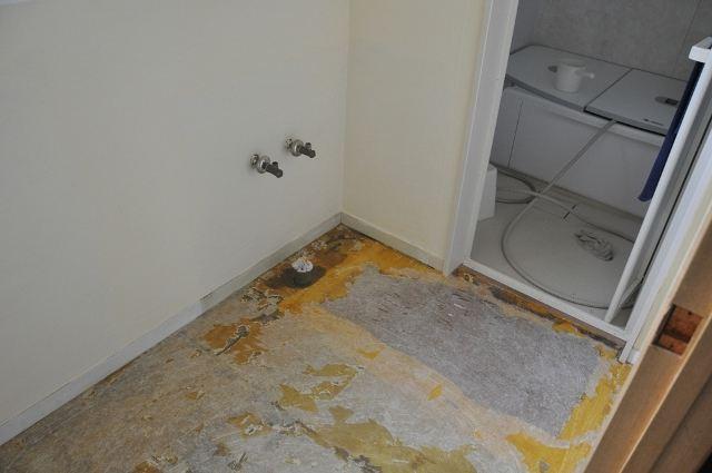 洗面所の床クロスの張替え