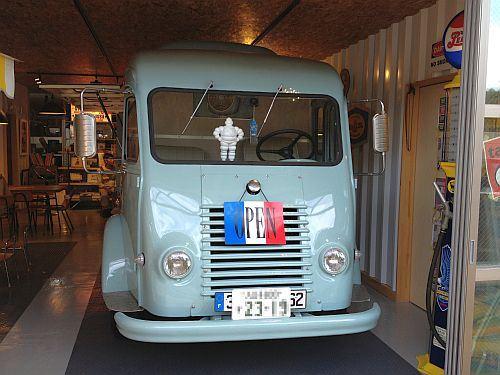 「ルノー・1000Kgバン」です! ルノー・マスターやトラフィックのご... 仏国の商用車二大巨