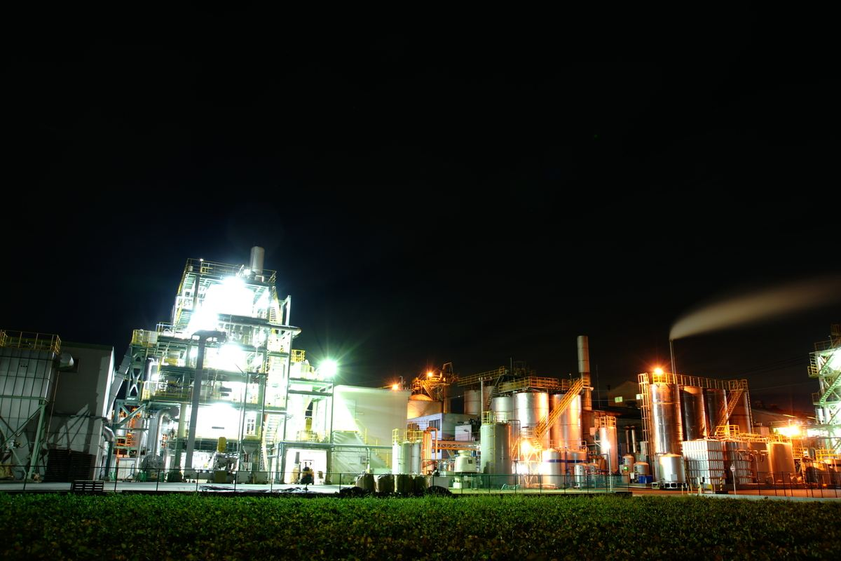 はい、タイトルの通り工場夜景にチャレンジしてみましたw 工場夜景はいつ... 工場夜景|平日はデ
