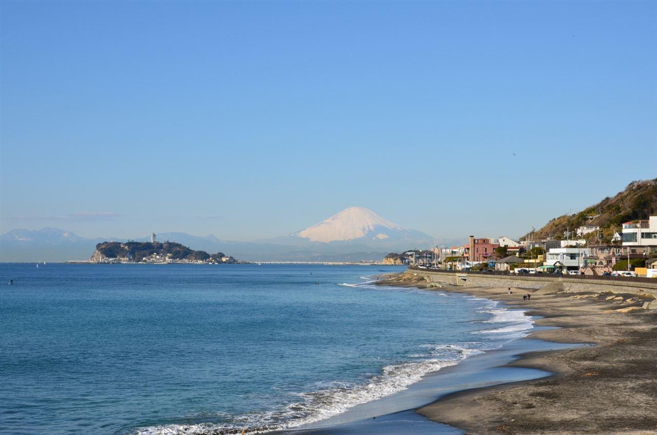 江ノ島の向こうに富士山。湘南 ... : 一年カレンダー : カレンダー