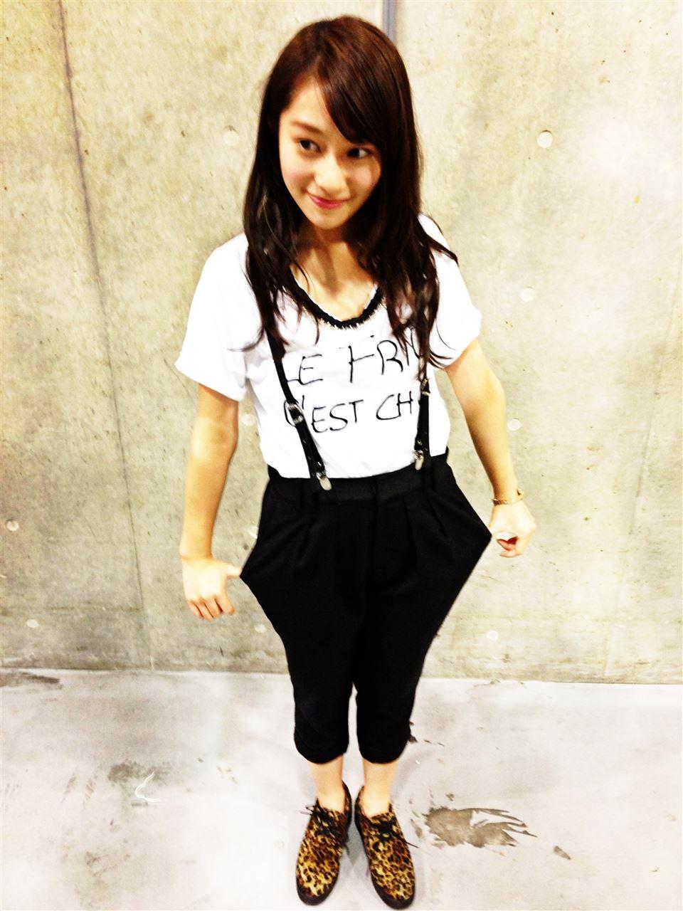 ウエストがきれいな桜井玲香さん